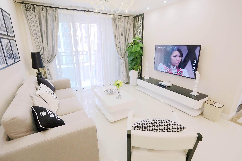 现代简约二居电视背景墙图片