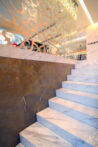 大户型后现代风格装修楼梯细节