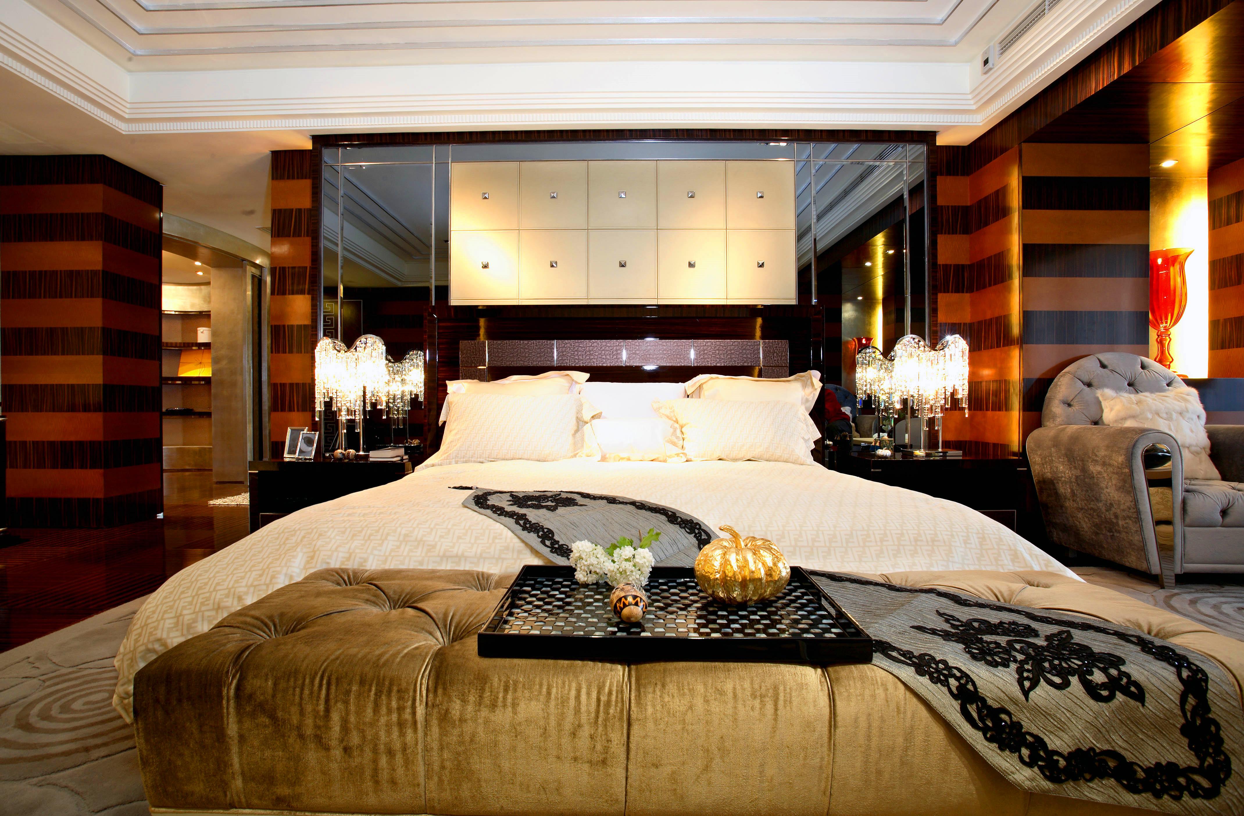 大户型后现代风格装修床头背景墙设计