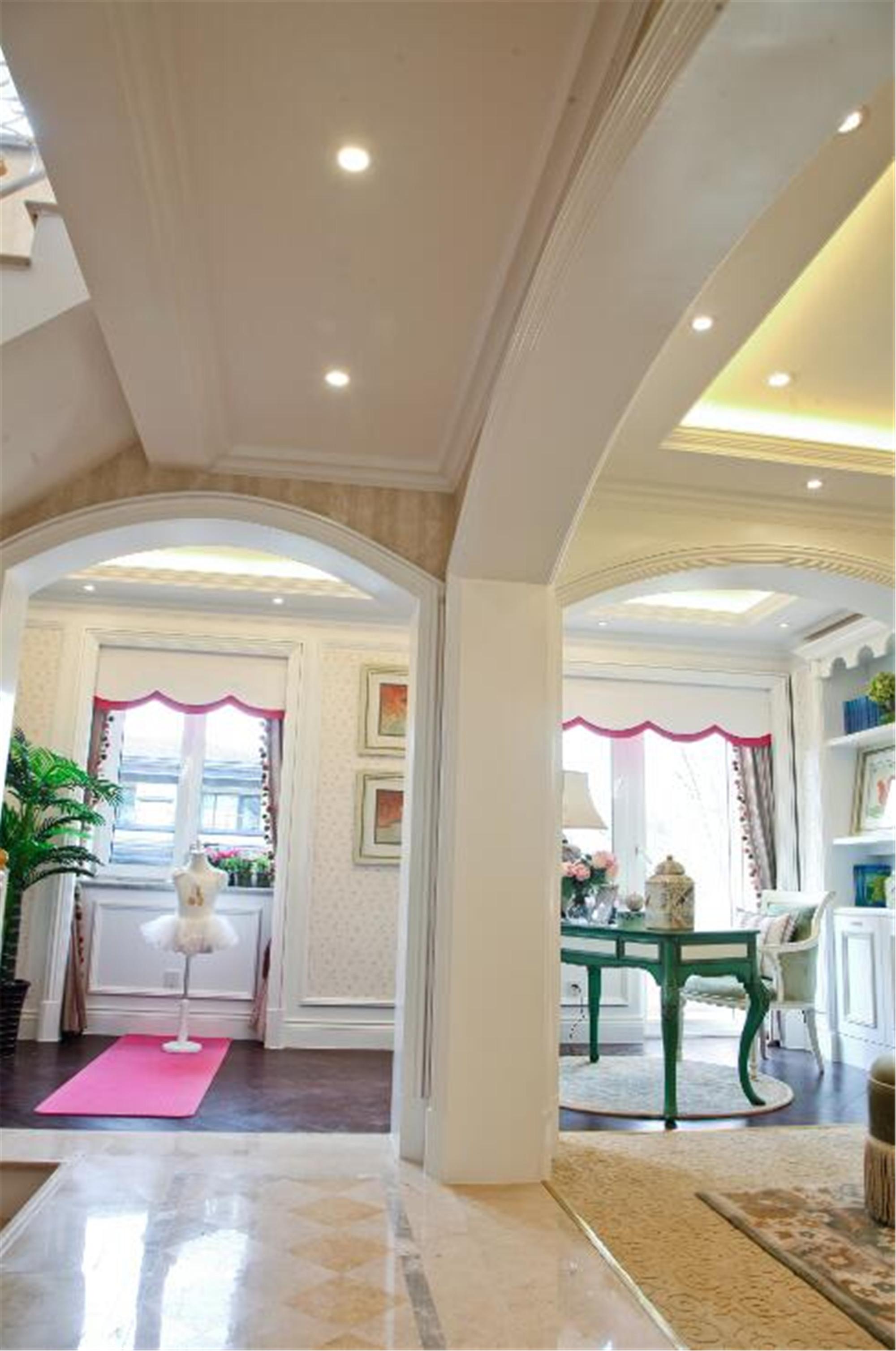法式风格别墅装修门厅设计图