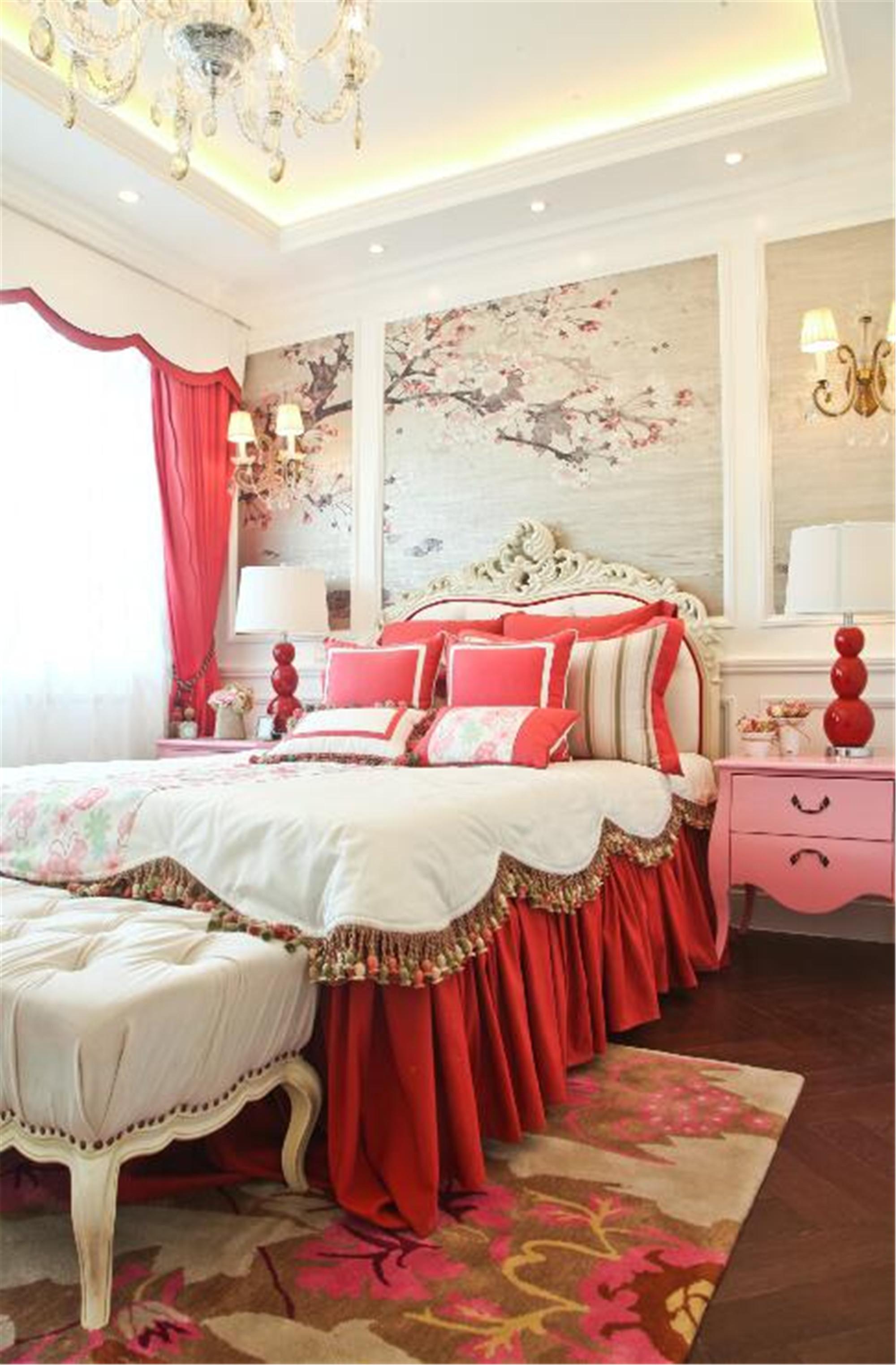 法式风格别墅装修卧室搭配图