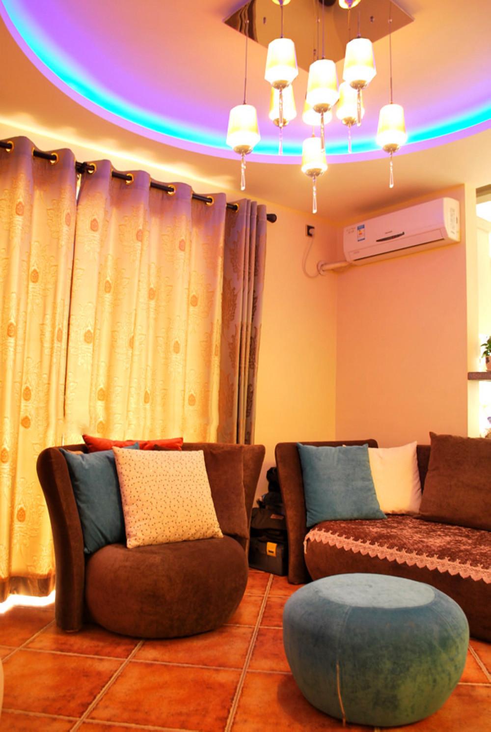 80平小复式公寓装修客厅设计图