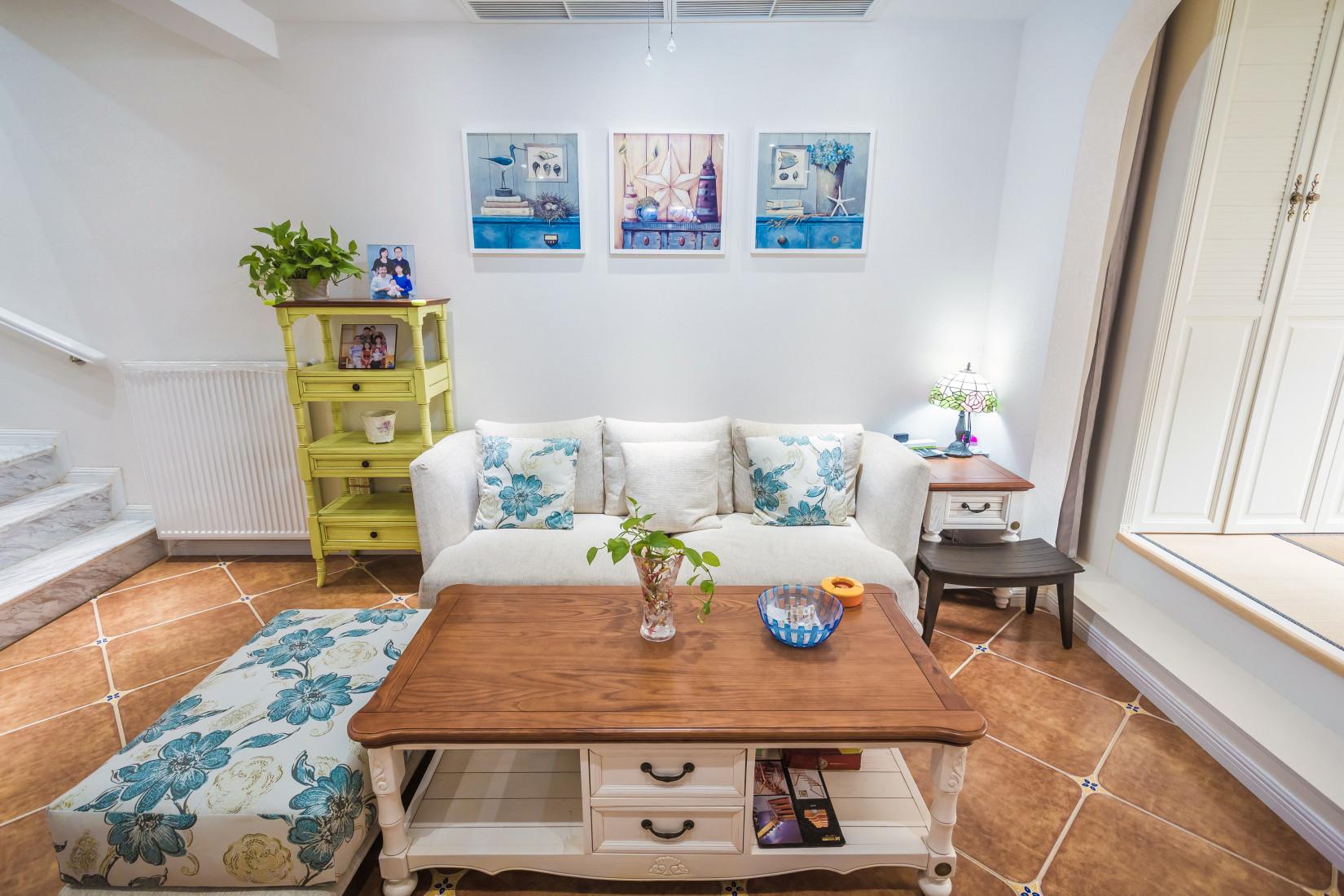 地中海三居之家沙发墙图片