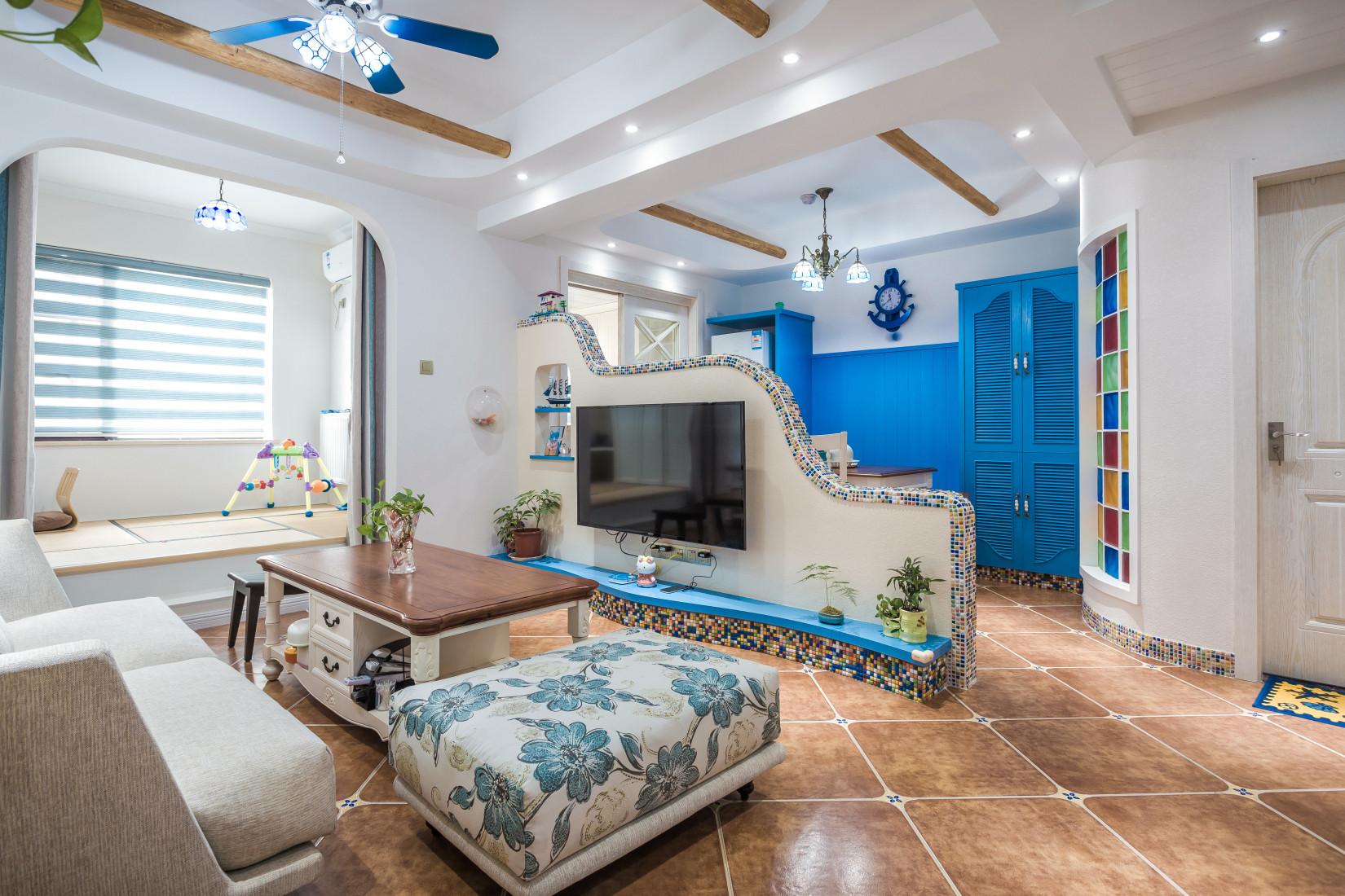 地中海三居之家电视背景墙设计