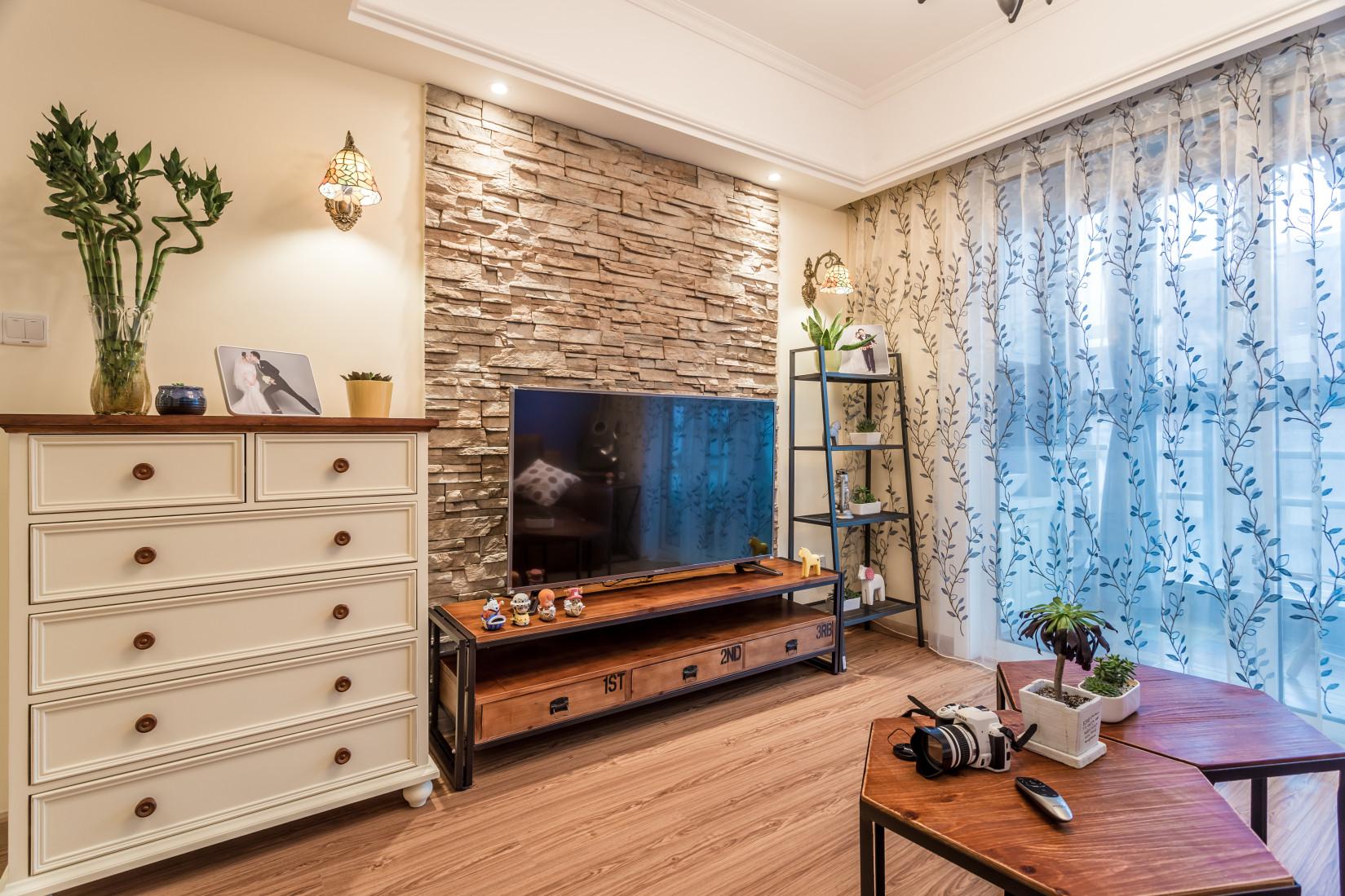 75平两居装修电视柜图片