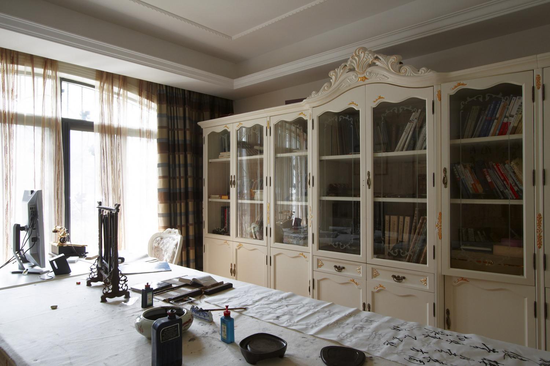 欧式风别墅装修书房搭配图