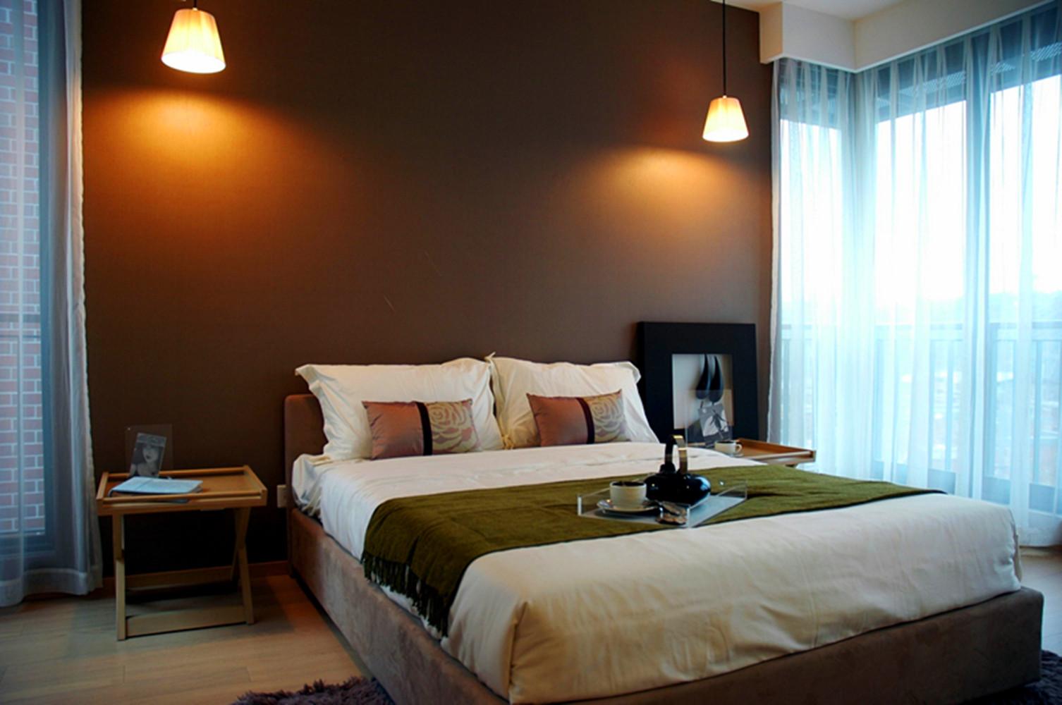 现代风格别墅设计卧室布置图