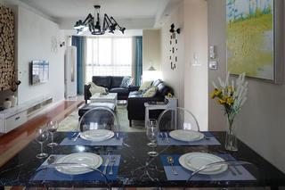 现代简约风格三居餐桌图片