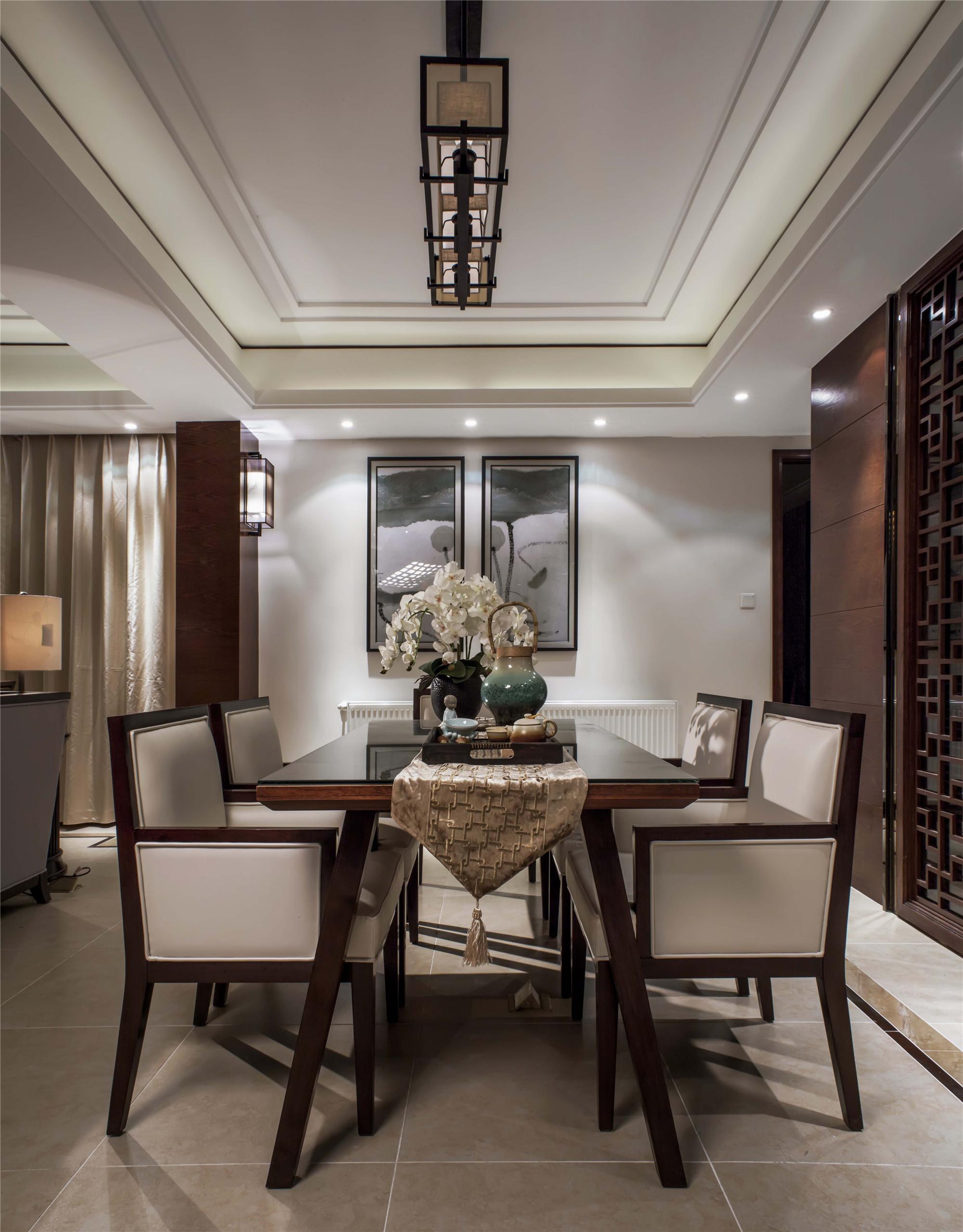 大户型新中式装修餐厅吊顶设计