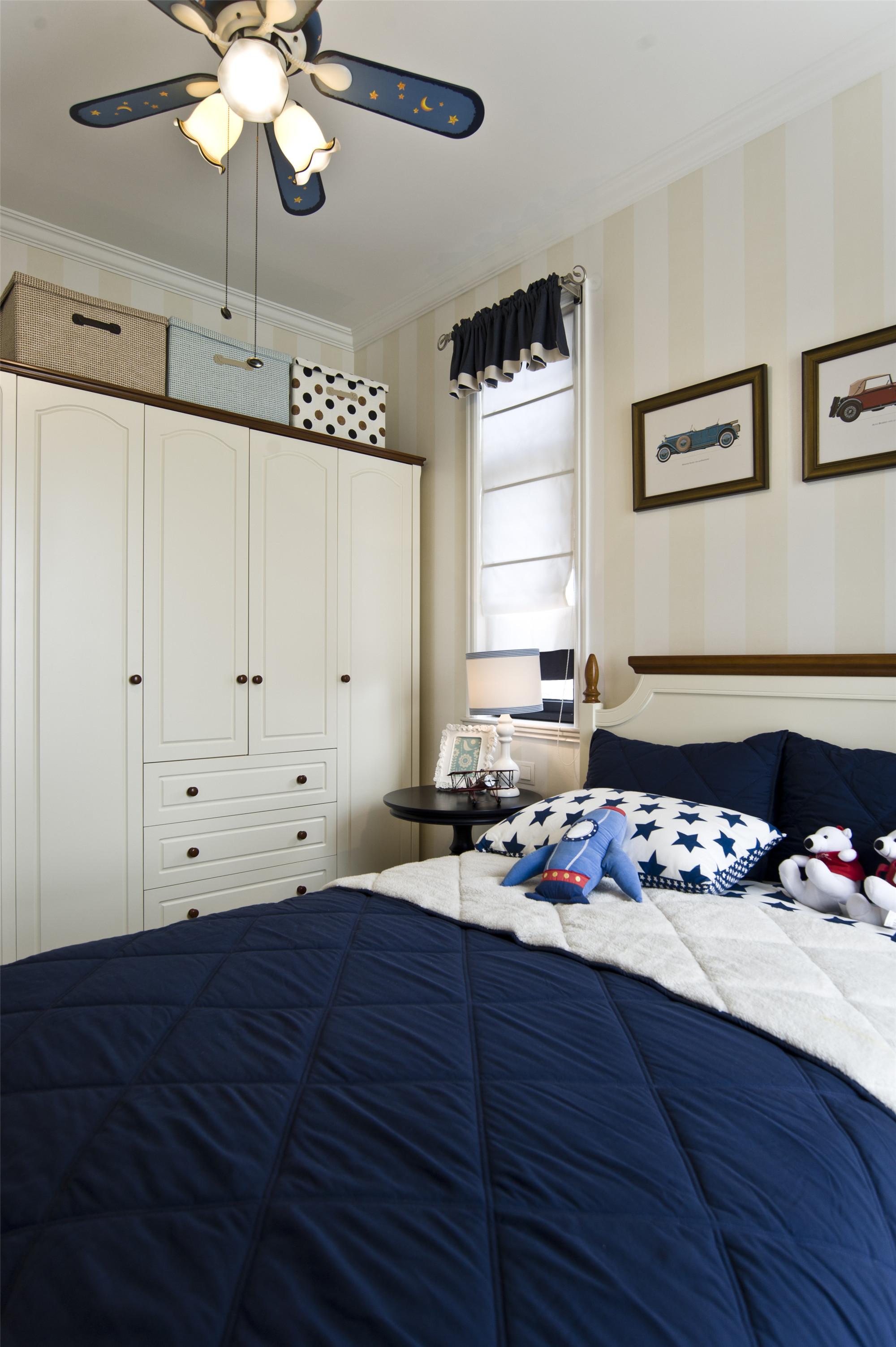 温馨美式风格三居装修儿童房设计图