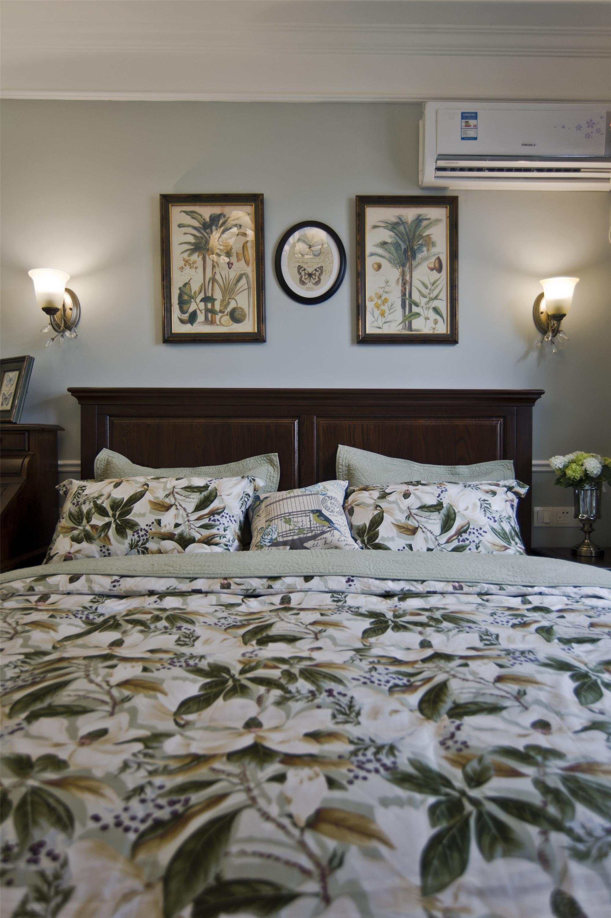 温馨美式风格三居装修卧室布置图