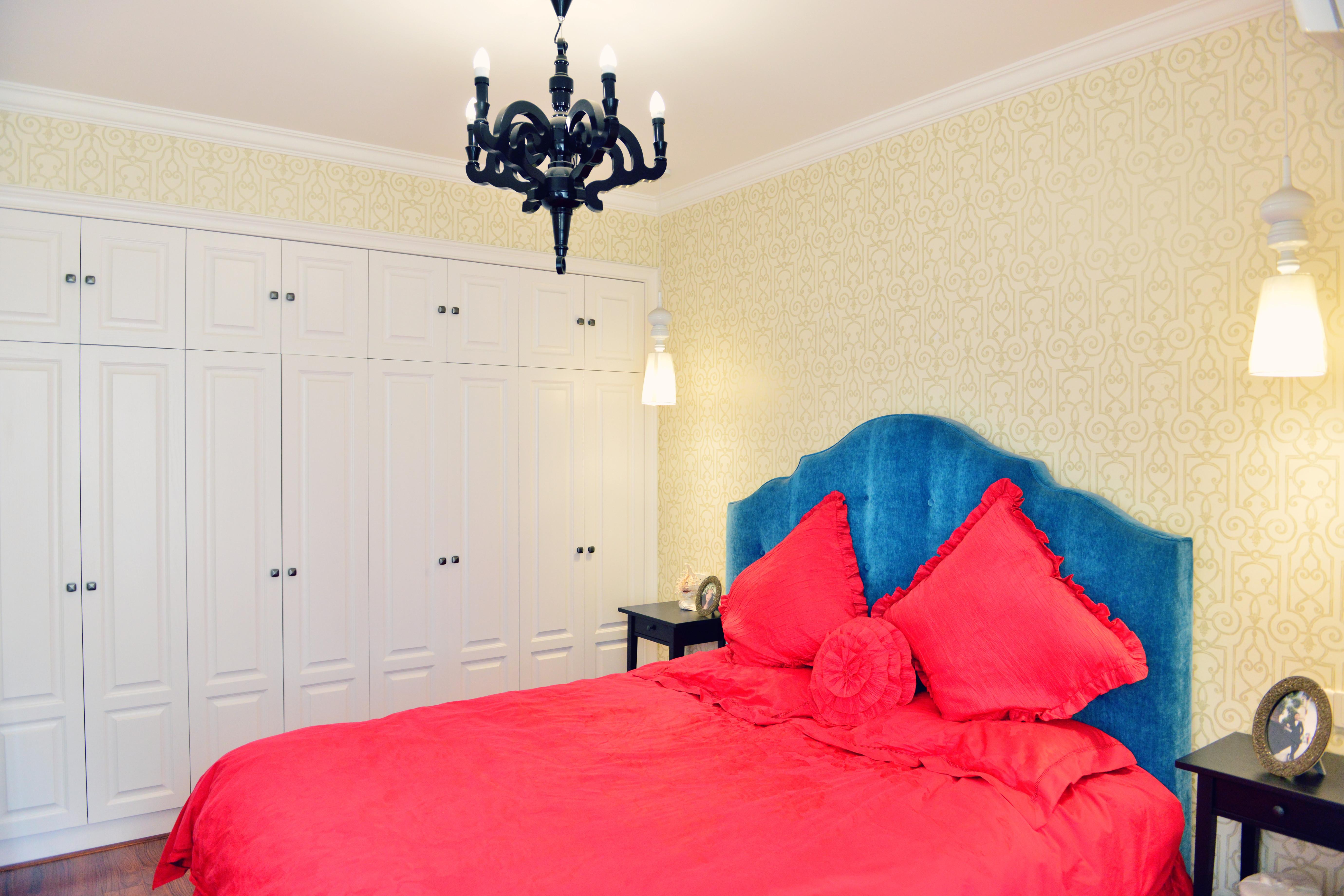 混搭风格三居卧室设计图