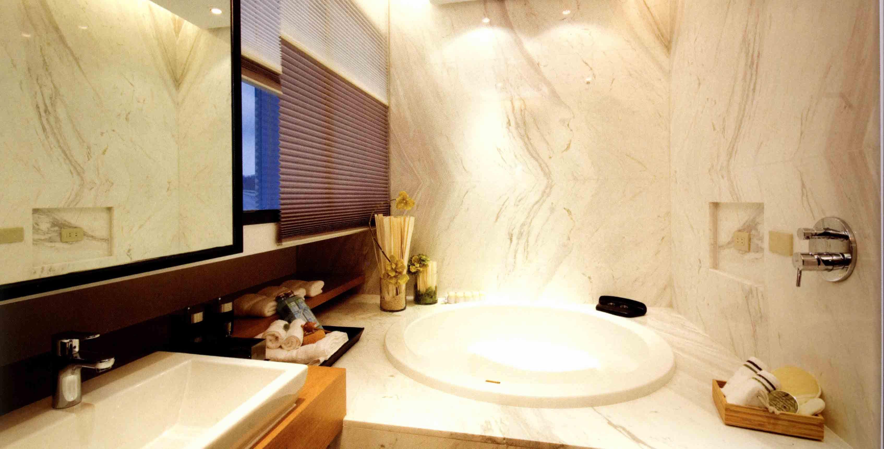 80平一居室设计浴缸图片