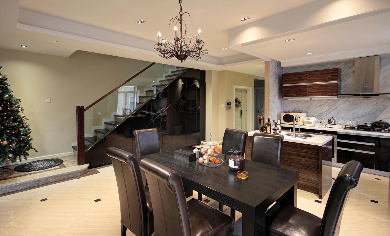 新中式别墅装修餐桌图片