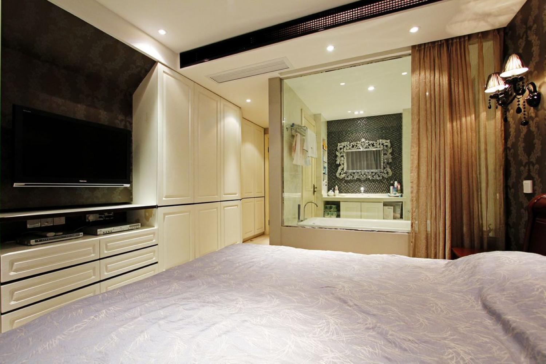 110平现代风格二居衣柜图片