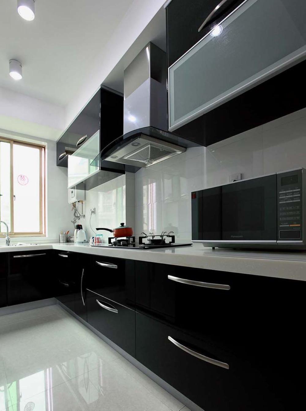 现代简约装修厨房搭配图