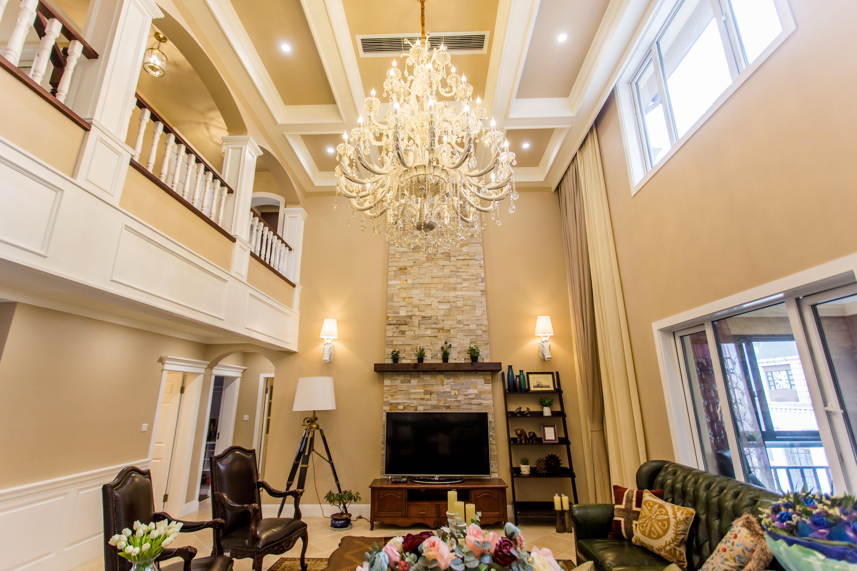 顶楼跃层装修客厅设计图