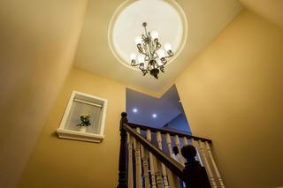 顶楼跃层装修楼梯空间设计