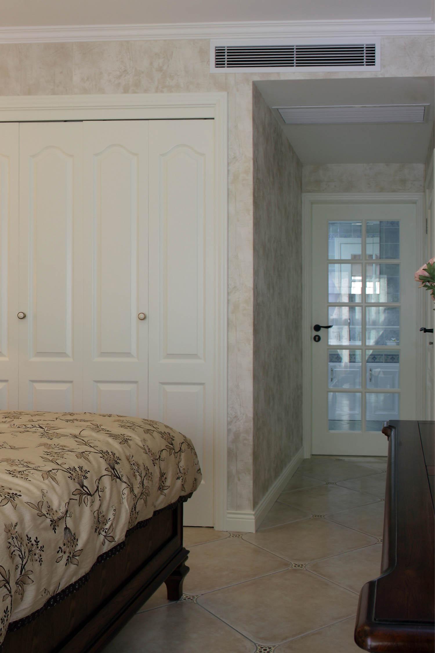 复式三居装修衣柜设计