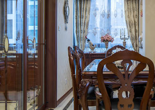 新古典美式装修餐桌椅图片