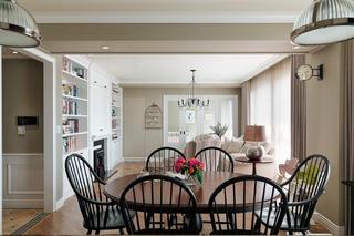110㎡美式装修餐桌椅图片