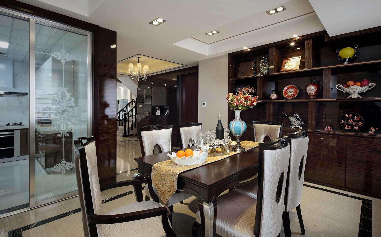 新古典别墅装修餐桌图片