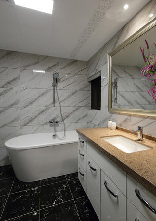 新中式风格复式装修卫生间设计图