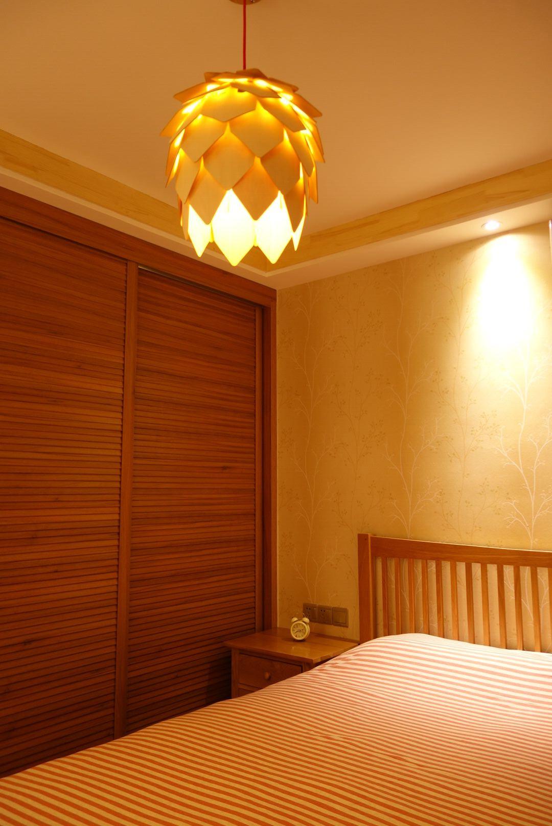 东南亚风格二居卧室布置图