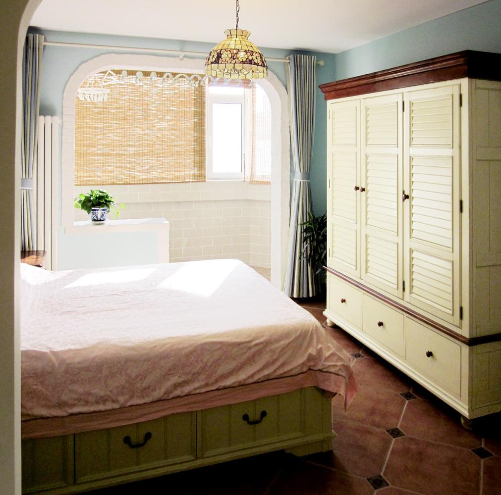 一居室小户型装修卧室设计图