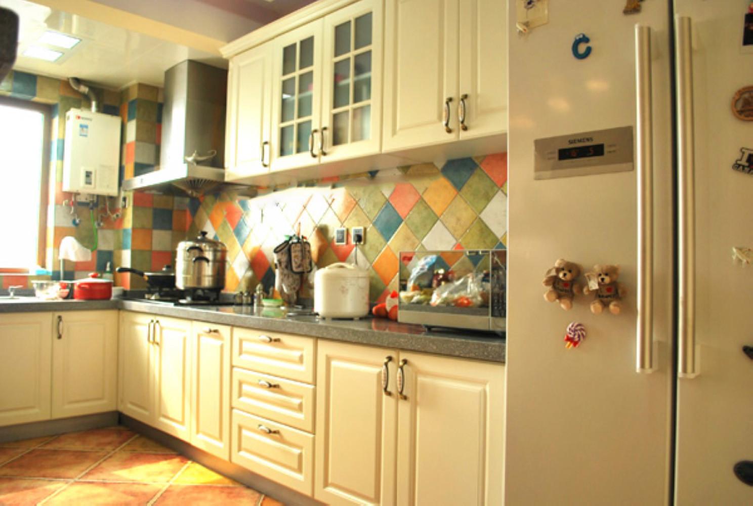 80平小复式公寓装修厨房布局图