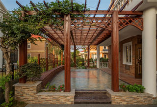 美式别墅装修庭院欣赏图