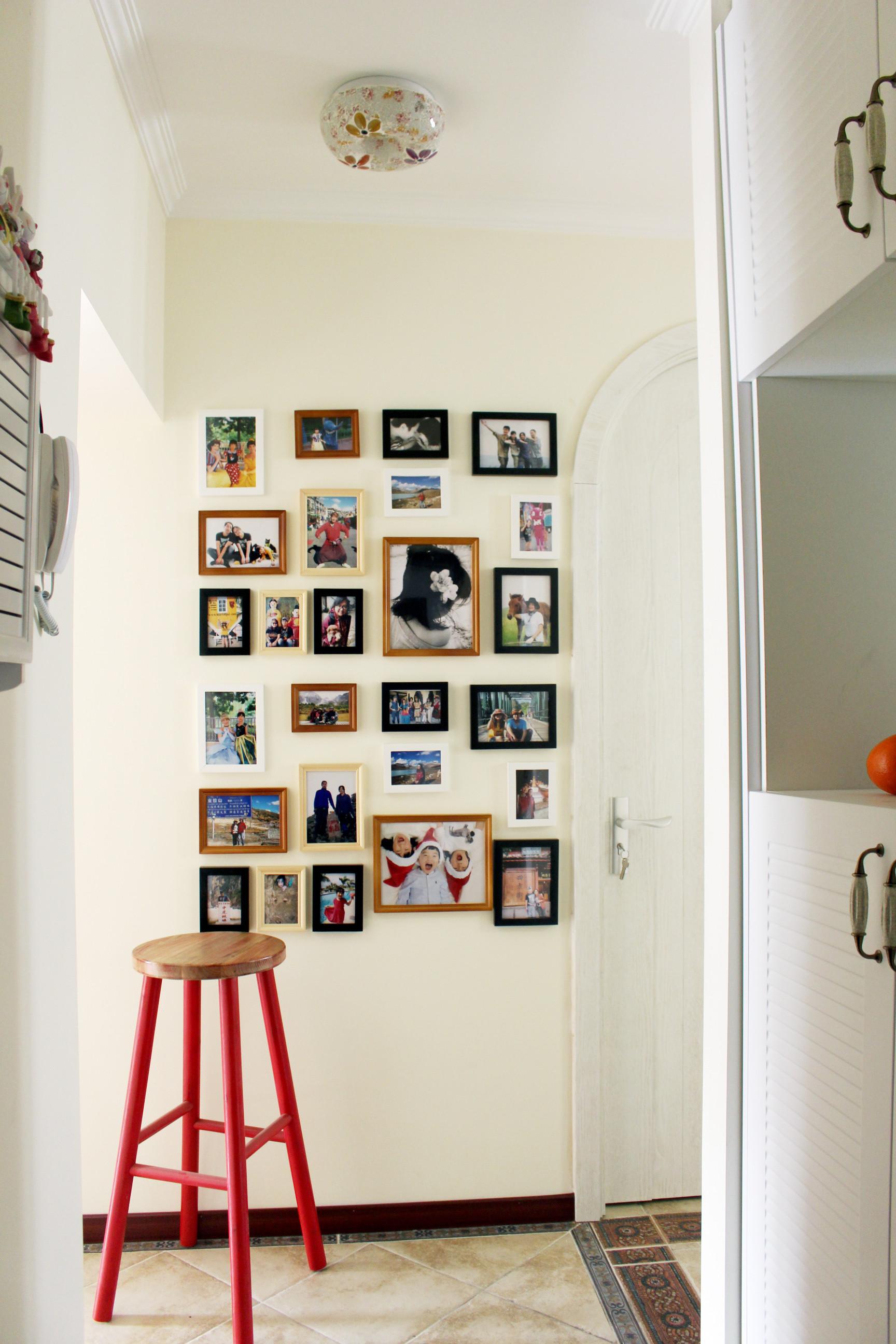 小户型混搭风装修照片墙布置