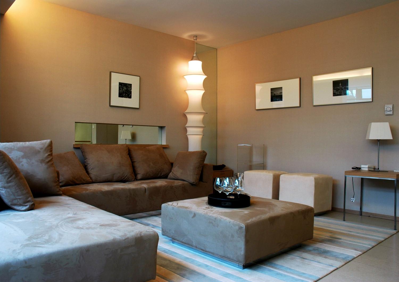 现代风格别墅设计客厅布置图