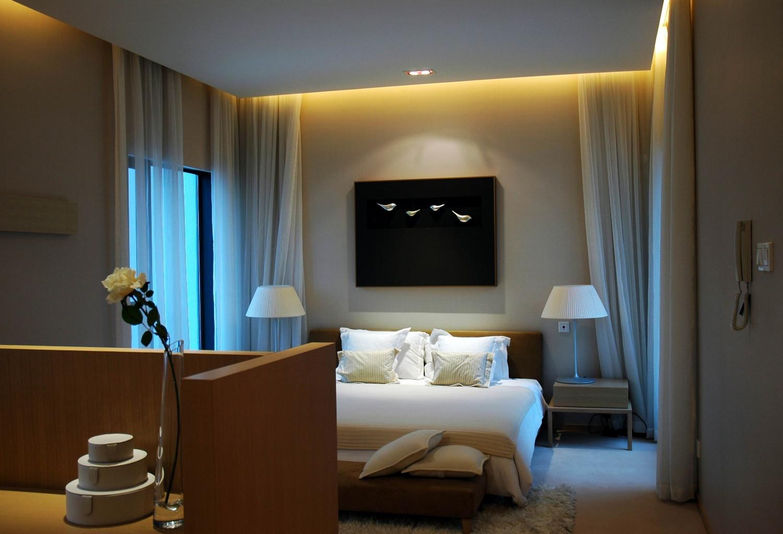 现代风格别墅设计卧室背景墙图片