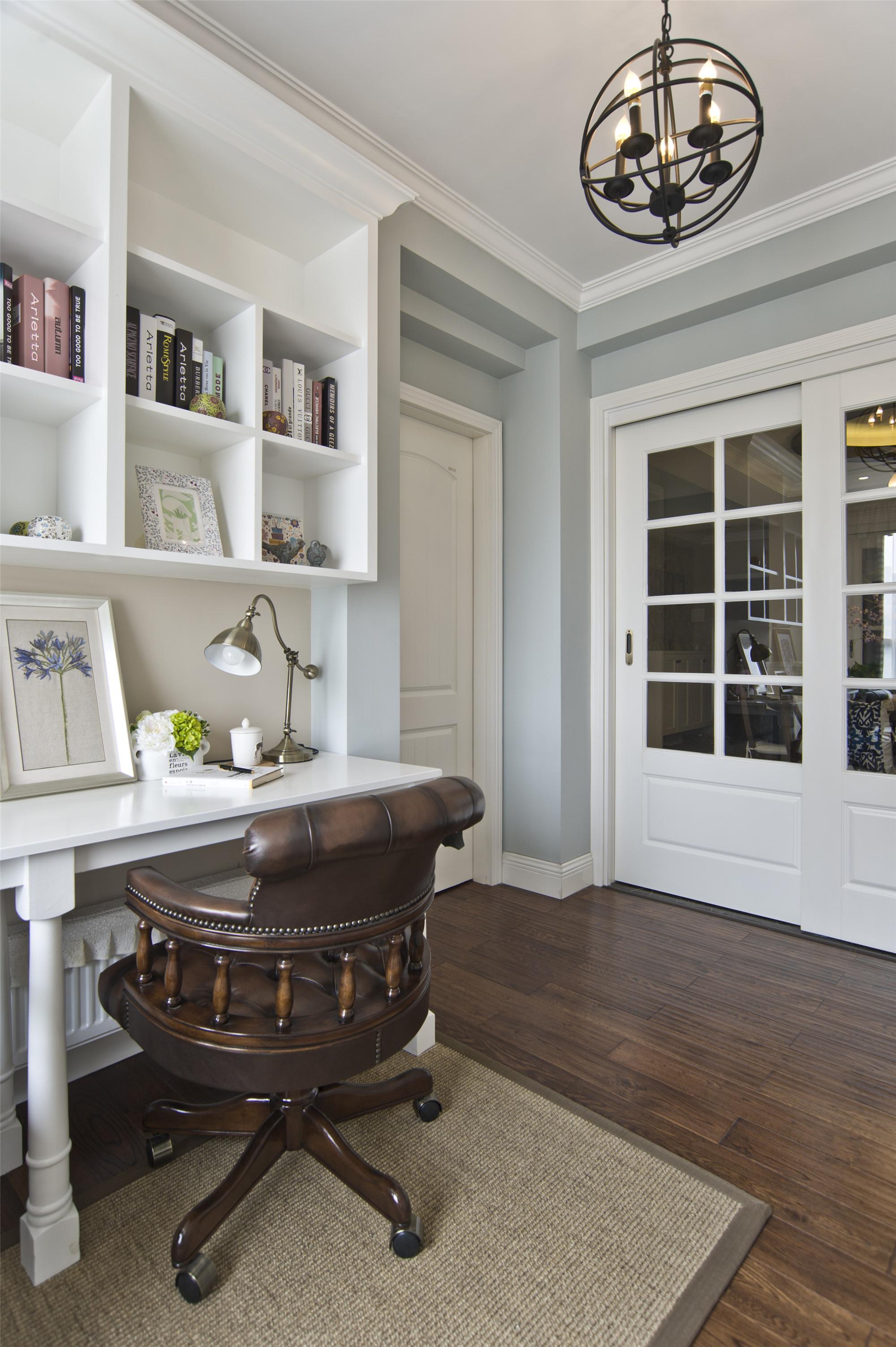 温馨美式风格三居装修书房搭配图