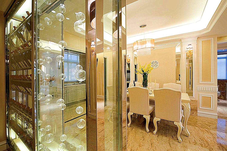 法式别墅装修玻璃柜隔断