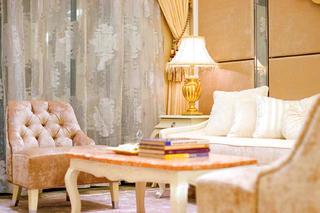 法式别墅装修客厅一角