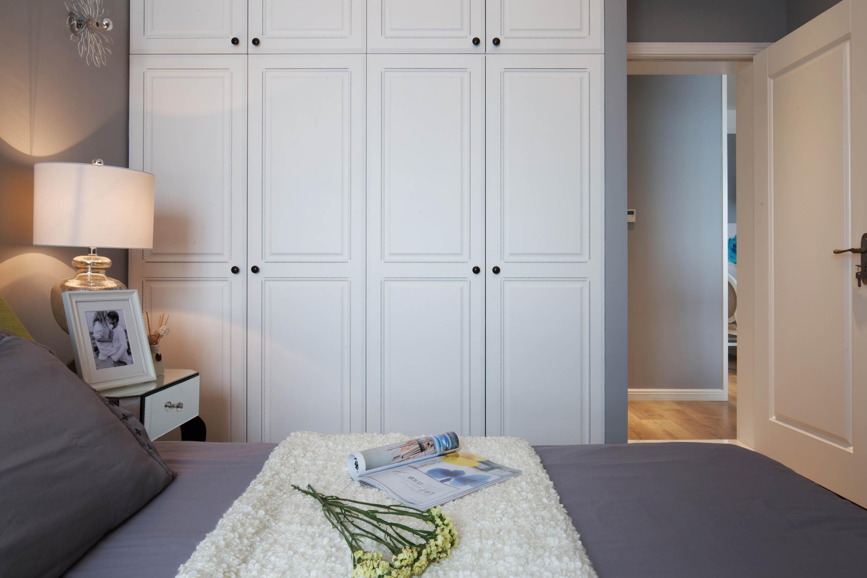 二居室混搭装修衣柜图片