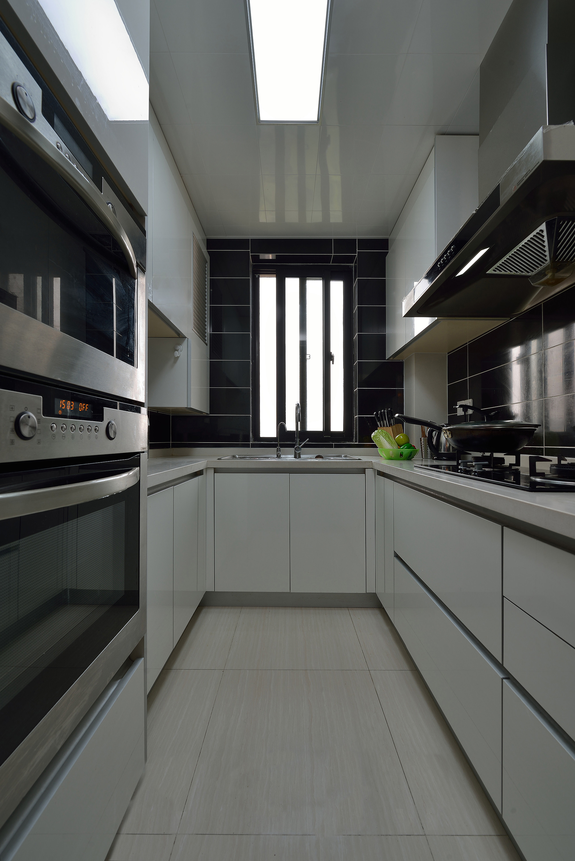 140平简约装修厨房搭配图