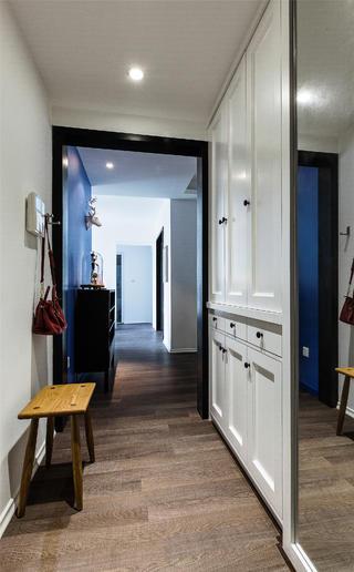 北欧风公寓装修玄关设计