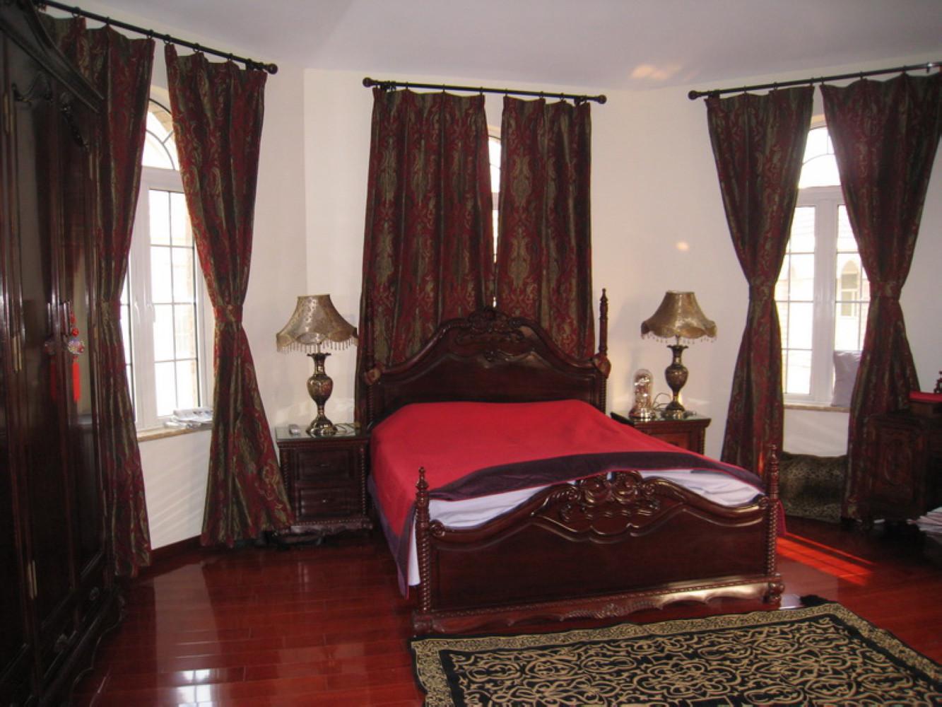 新古典别墅装修卧室设计图