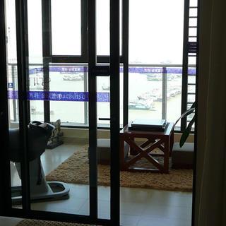 后现代风格三居室装修阳台布置图
