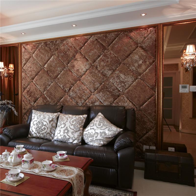 125平新古典两居沙发背景墙装修效果图