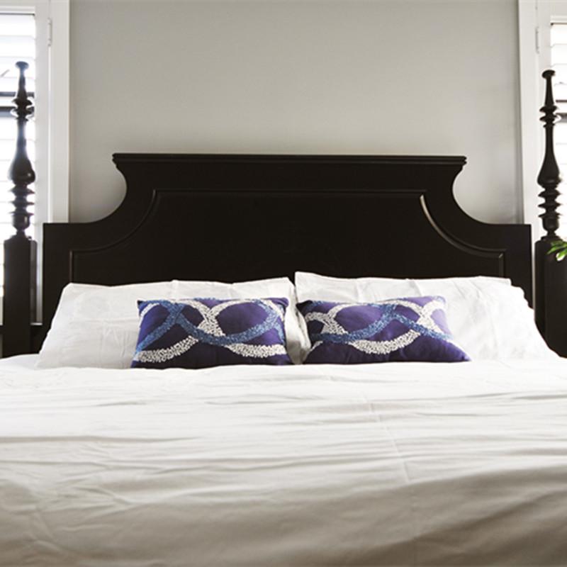 简约美式两居装修床品图片