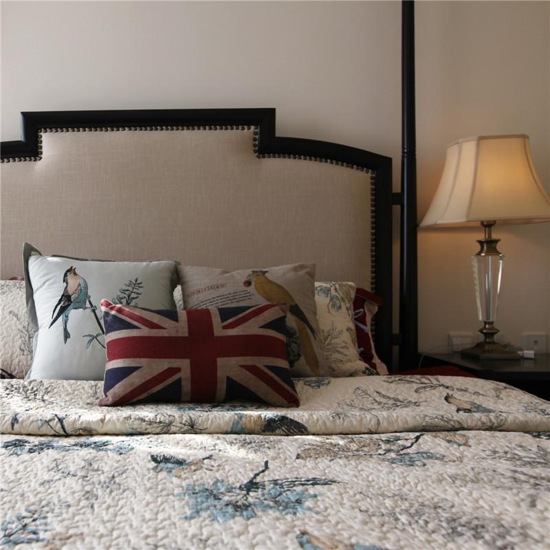 100㎡三居室美式装修床品图片
