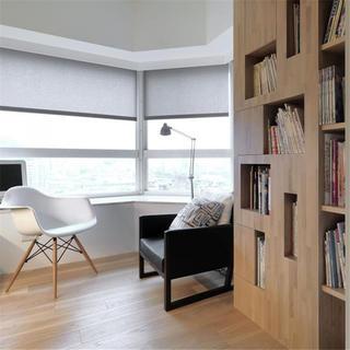 三居室简约装修书房一角