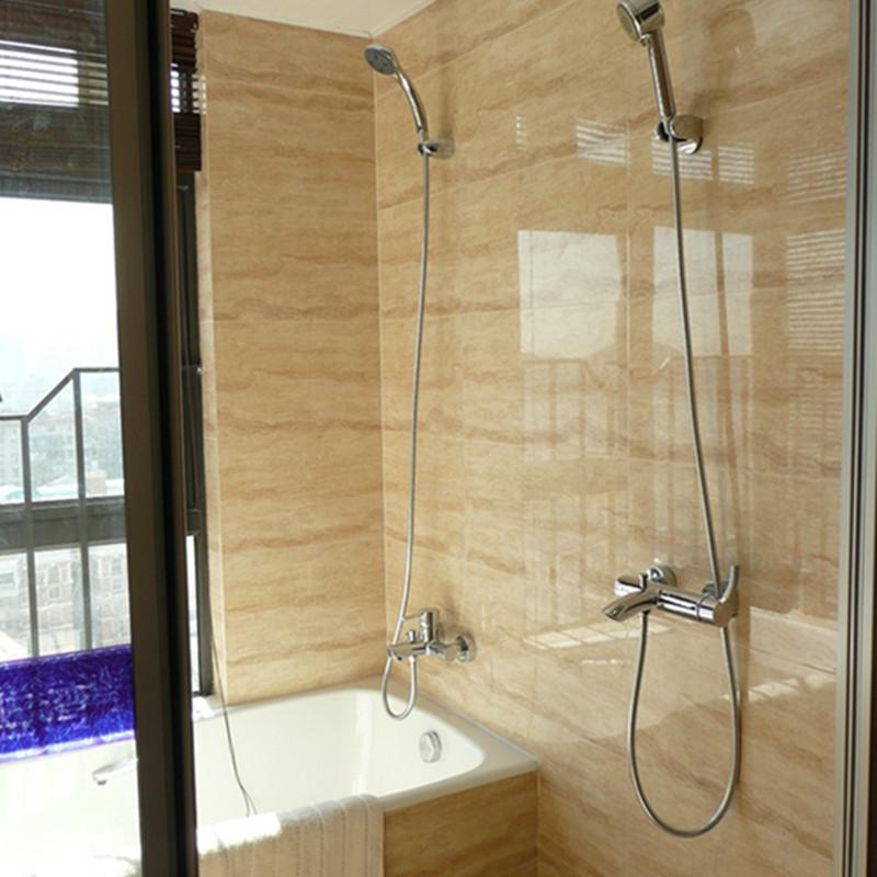 后现代风格三居室卫生间装修效果图
