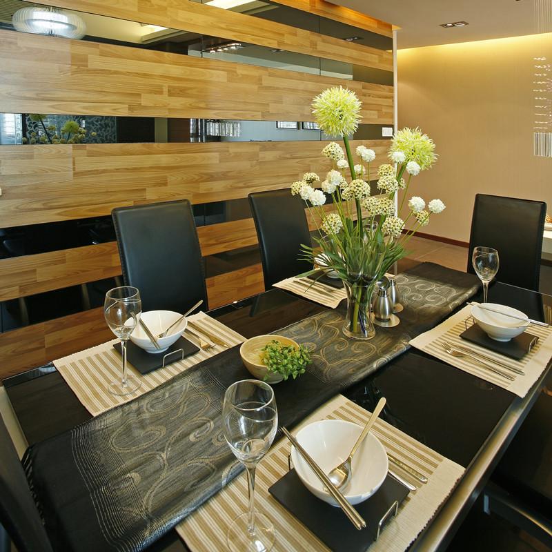 125㎡现代简约三居餐桌图片