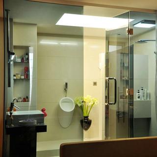 简约现代三居卫生间装修效果图