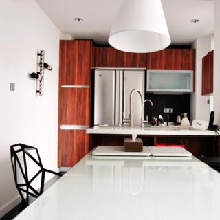 简约三居室装修餐桌图片